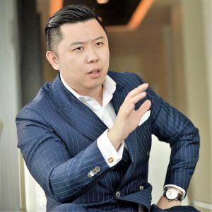 consultant Dan Lok